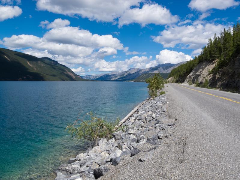 Muncho Lake Provincial Park, Alaska Highway,