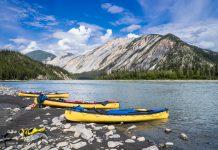 parc-nahanni-canoe